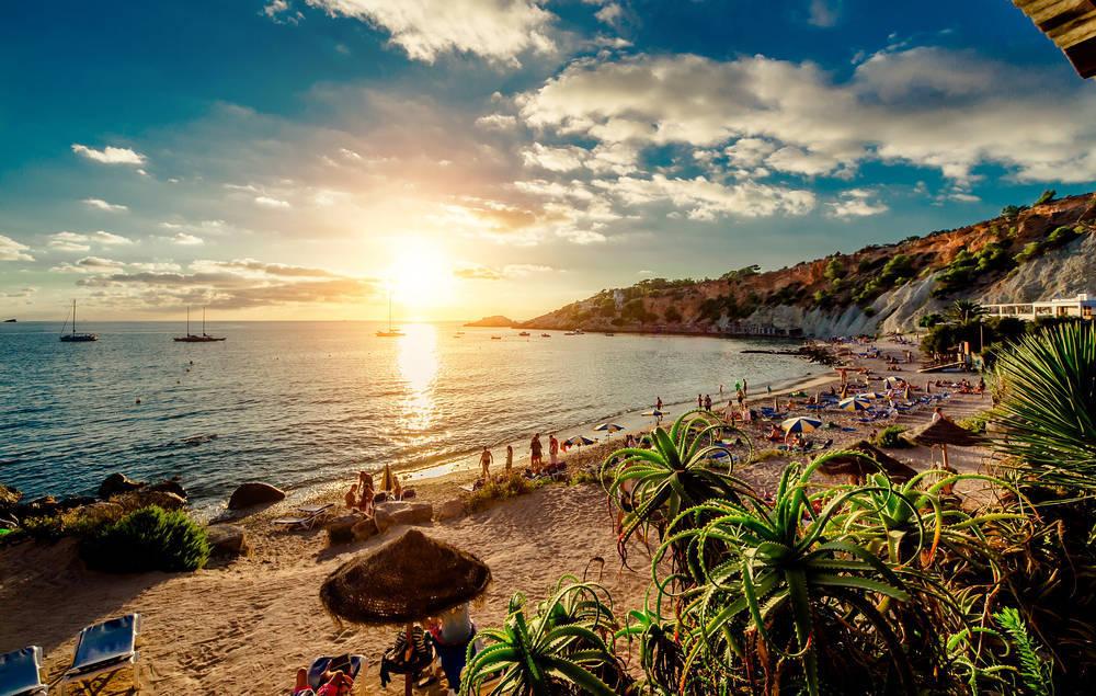 Ibiza, entre la playa, el sol y la fiesta