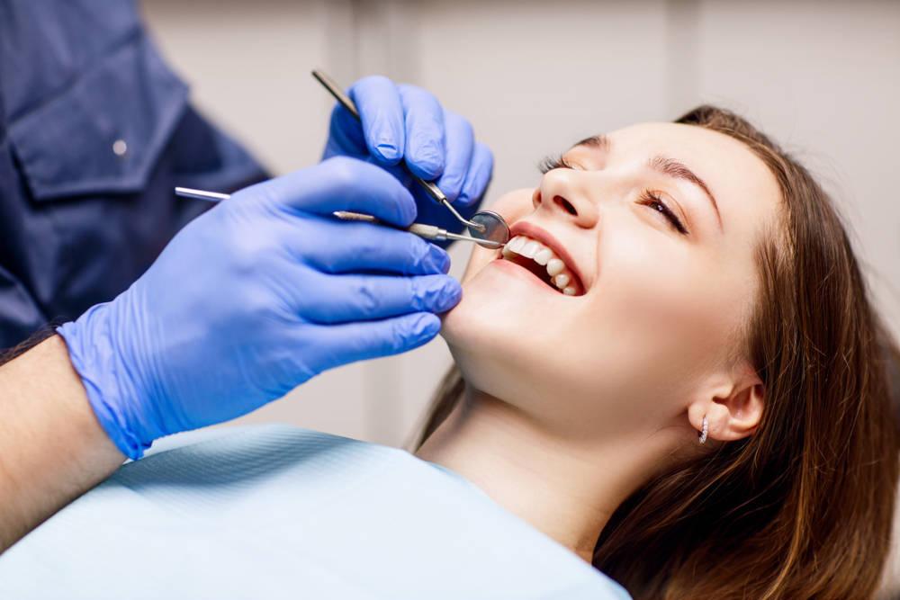 La limpieza dental, uno de los servicios más demandados en odontología